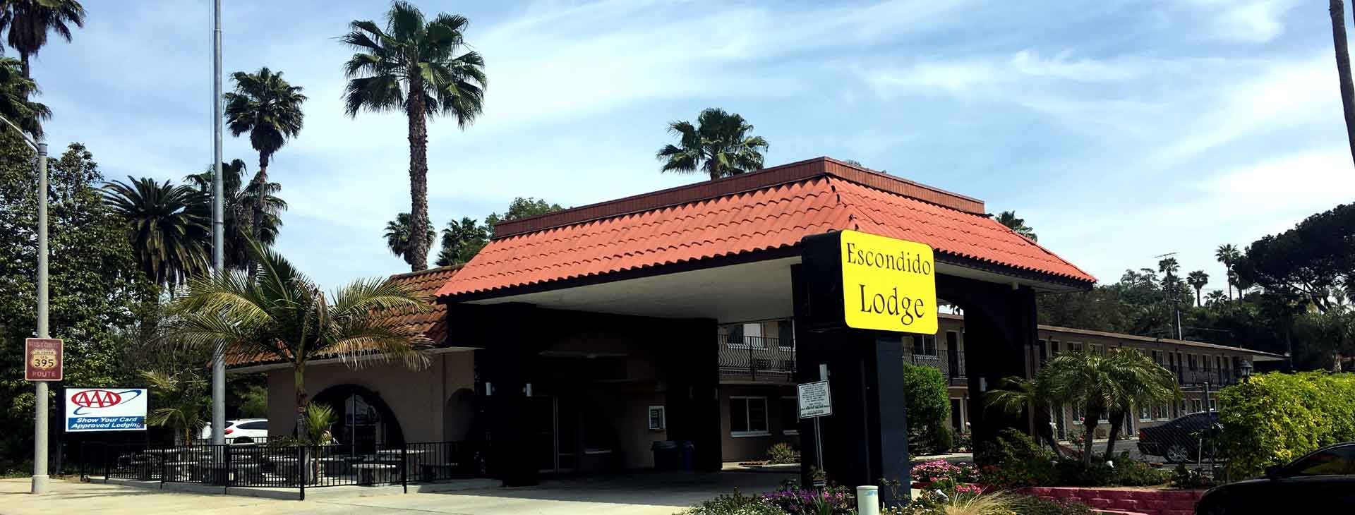 Front of Hotel Escondido Lodge